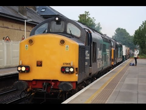 DRS 37069 & 37602 pass Clapham High Street with Dungeness to…