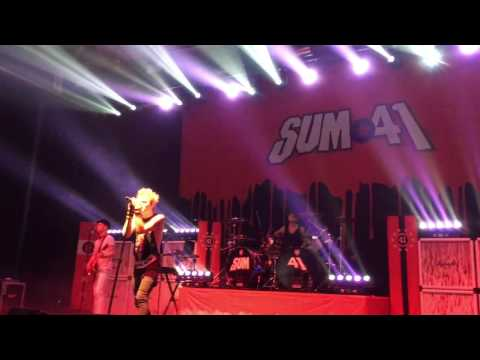 Sum 41 @ Stockholm, SWE 03/15/17 - Breaking The Chain