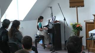 Melanie am Klavier.flv