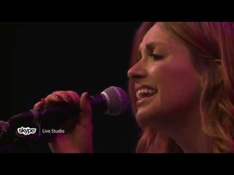 Carly Pearce - Hide the Wine (98.7 THE BULL)