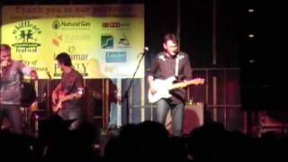 AWESOME GUITAR SOLO by Sam Hawksley at Adam Brand concert