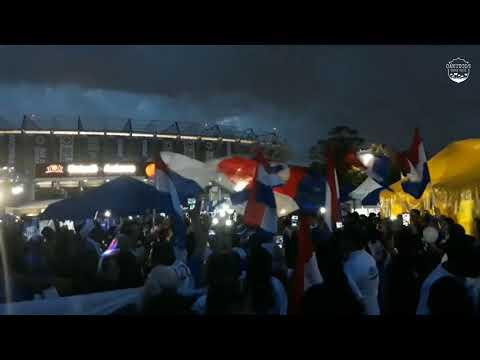 """La Sangre Azul previa e hinchada Azul iluminando el Azteca | Cruz Azul vs Toluca"" Barra: La Sangre Azul • Club: Cruz Azul"