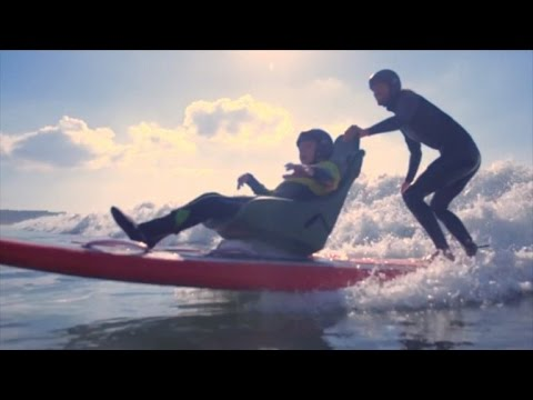 Teen with Cerebral Palsy Goes Surfing For First Time On Tandem Surfboard