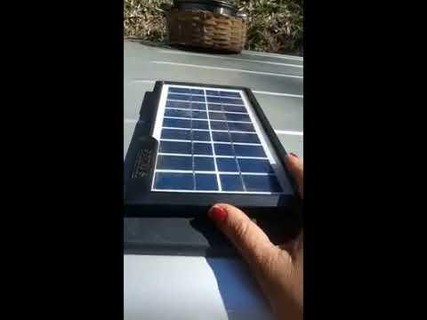 Painel solar no camping com radio, lanterna, lampada 12v e carregar celular. Sera q funcina?