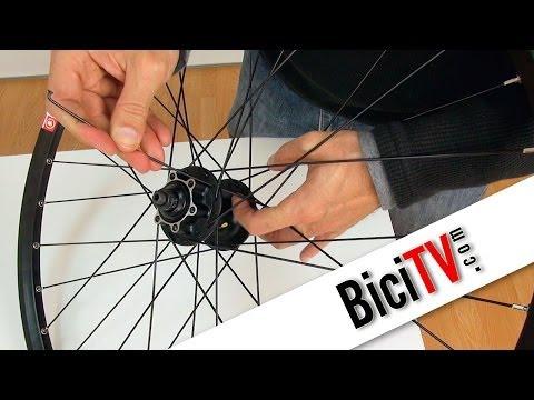 Cambiar radio de rueda de bicicleta