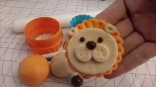Super Easy and Super Cute Lion Cupcake Topper---DIY