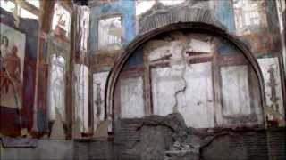 preview picture of video 'Herculaneum: ancient Roman city buried by Vesuvius'