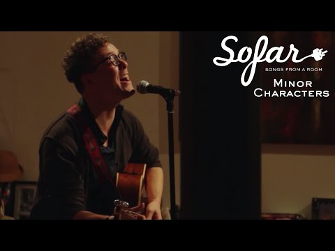 An intimate acoustic night in Chicago