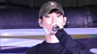 เป๊ก ผลิตโชค Mini Concert @พันธ์ทิพย์ งามวงศ์วาน[1/2] อารมณ์ดี๊ดี ดีดมาก ไปเล่นตลกมั๊ย 555 / 3เพลง