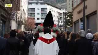 preview picture of video 'Sant Julià de Lòria celebra el Via Crucis per començar el Divendres Sant'