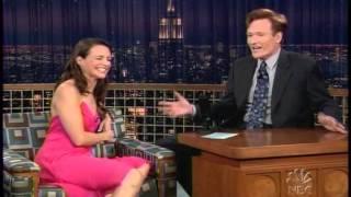 Kristin Davis with Conan O'Brien (10-26-2004)