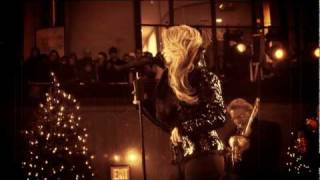 Shakira - Santa Baby (Live)