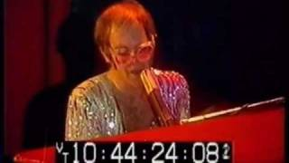 10 - Don't Let The Sun Go Down On Me - Elton John - Live at The Hammersmith Odeon 24-12-1974