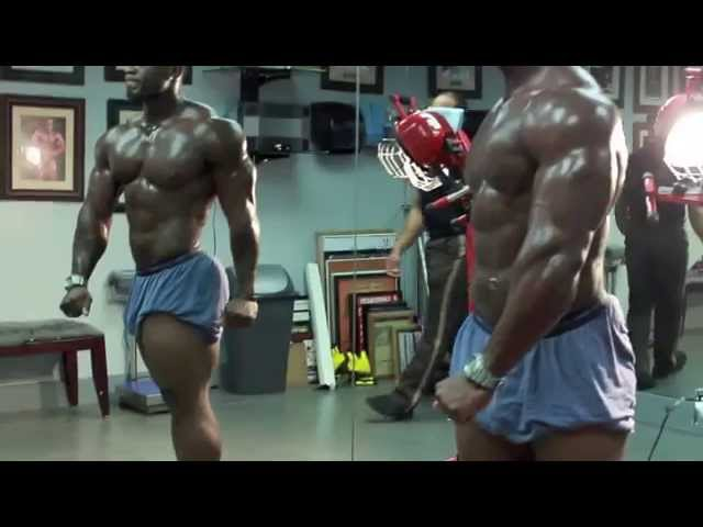 Bodybuilding Posing Session