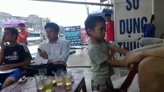 Đừng đùa với trẻ con =))