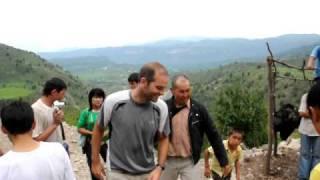 preview picture of video 'Kyrgyzstan 09 Fotos en Cascada Arslanbob'