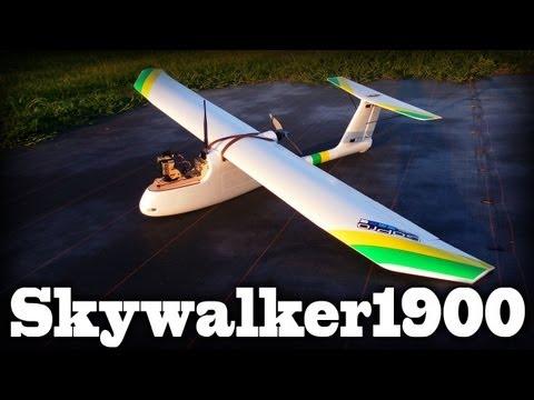 skywalker-1900-crusing-around-low