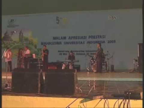 Kisah Sedih di Hari Minggu-The Professor Band Live at Malam Apresiasi Prestasi Mahasiswa UI 2005