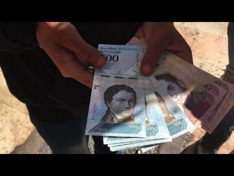 Video: Venezuela devalúa moneda para paliar crisis entre protestas