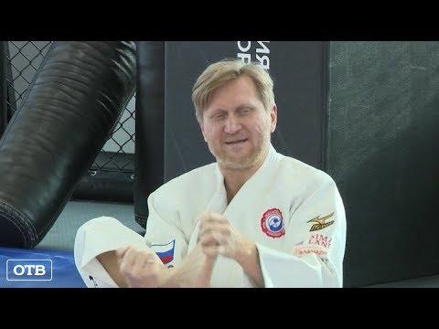, title : 'Андрей Рожков провёл тренировку для волонтёров турнира «Большой шлем»'