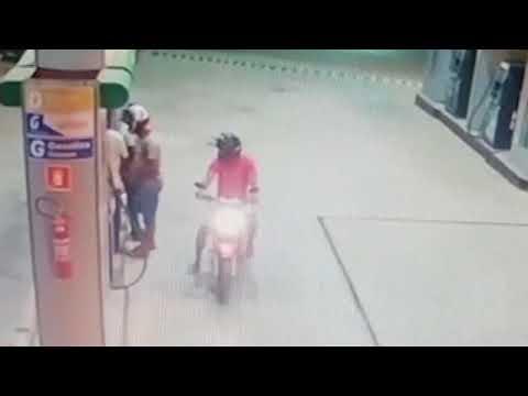 Câmeras de segurança flagram assalto em posto de combustível em Barreirinhas