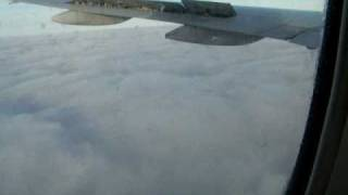 preview picture of video 'long landing at Heathrow through clouds on British Airways 1'
