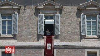 Papa all'Angelus: Vangelo si annuncia non come divi in tournée ma nella povertà dei mezzi
