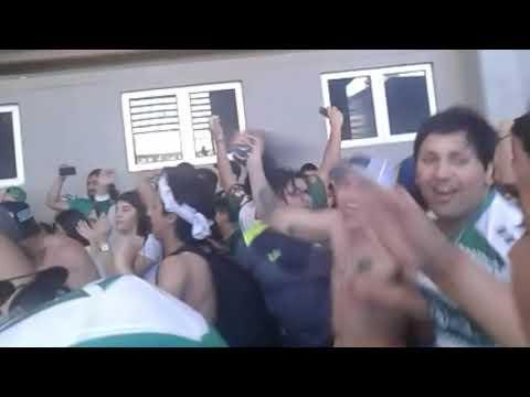 """""""Los Devotos - Previa/Salida/Awante durante el partido - Temuko v/s U.Catolica"""" Barra: Los Devotos • Club: Deportes Temuco"""
