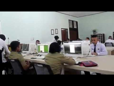 Daily English STPP Magelang : How to deliver presentation well
