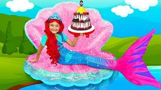 Sasha plays the Princess Contest and Making her new Room & Dresses up as a Mermaid