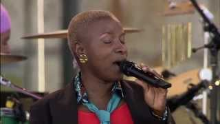 Angelique Kidjo - N'yin Wan Nou We - 8/13/2006 - Newport Jazz Festival (Official)