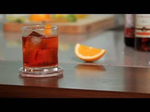 Video How to Make a Negroni | Cocktail Recipes