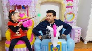 Öykü and Princess Castle Play With Dad -  Funny Oyuncak Avı