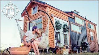 Living Tiny in Texas! Couple Downsizes to a Tiny House