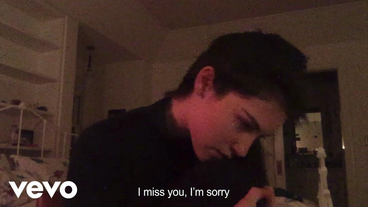 Lirik Lagu I Miss You, Im Sorry - Gracie Abrams dan Terjemahan