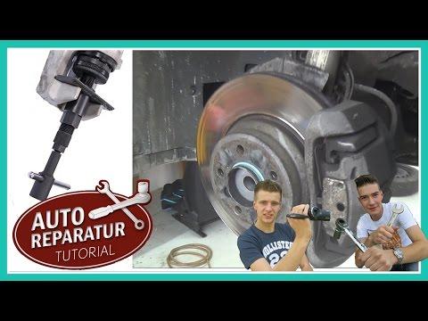 Bremsbeläge wechseln mit universal Bremskolbenrücksteller | Auto Tutorial