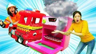 Видео для детей. Веселая школа с Барби. Профессия пожарный
