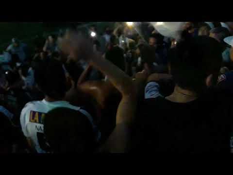 """""""Esta es tu hinchada que va de frente / La Barra De Caseros."""" Barra: La Barra de Caseros • Club: Club Atlético Estudiantes"""