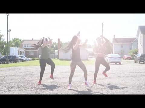 Video choreography that I did with my Hip-Hop dance team. Enjoy!