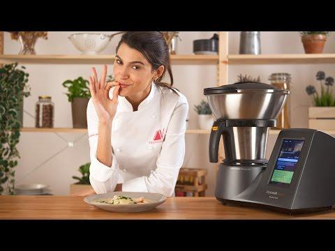 Merluza rellena con salsa de cava de Andrea Vicens con Mycook Touch