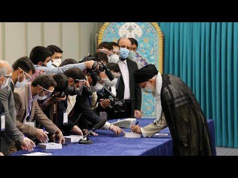 Προεδρικές εκλογές στο Ιράν: Ένας σκληροπυρηνικός προηγείται στην κούρσα …