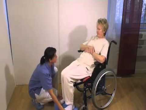 Using EasyGlide and FootStool for transfer between bed and wheelchair