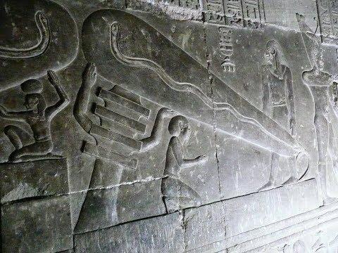 "Una TAC 3D rivela una scrittura ""sconosciuta"" all'interno del papiro magico"