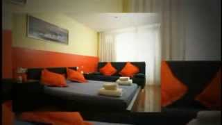 preview picture of video 'Barcelona City Centre Hostal, Eixample, Gay Barcelona - Gay2Stay.eu'