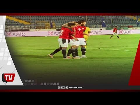 إمام عاشور وفتوح ولاعبي الزمالك يحتفلون مع مصطفى محمد عقب إحرازه الهدف الثاني