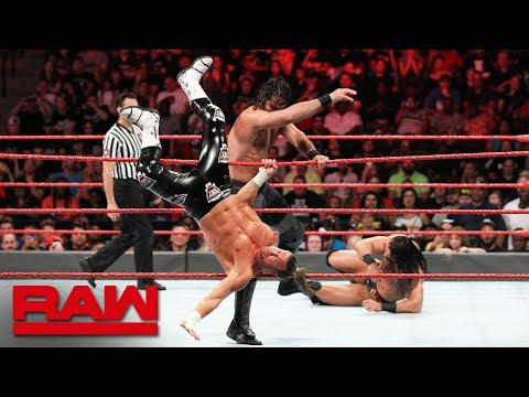 Seth Rollins Vs. Dolph Ziggler & Drew McIntyre - 1-on-2 Handicap Match: Raw, Aug. 6, 2018