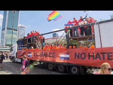 Εκδηλώσεις Gay Pride με χρώμα και κέφι