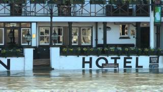 preview picture of video 'Flood Staines 2014'