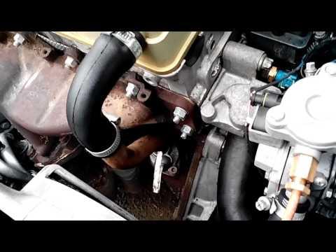 Der Kanister Plastik- 20 Liter für das Benzin aschan