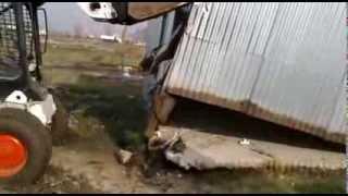 preview picture of video 'DESALOJO EN NUMANCIA GUERNICA 31-07-2013'